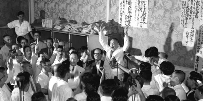 あのころ>吉田首相が抜き打ち解散 党内政敵に打撃