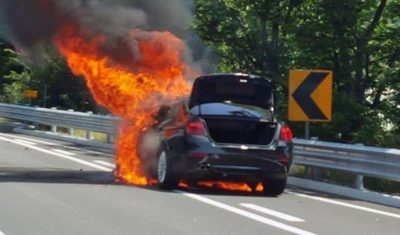 韓国でBMWの出火事故相次ぐ 運転自粛を要請