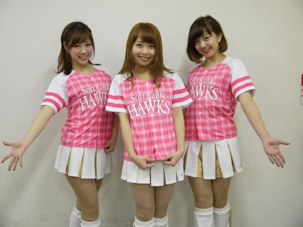 ソフトバンクの公式ダンスチーム「ハニーズ」から選抜された「ミニハニ」