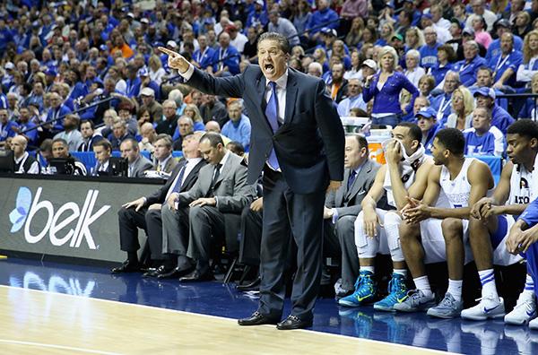 ケンタッキー大学の監督を務めるジョン・カリパリは、NBA監督と同等以上の年俸7億2000万円を手にする(Andy Lyons/Getty Images)