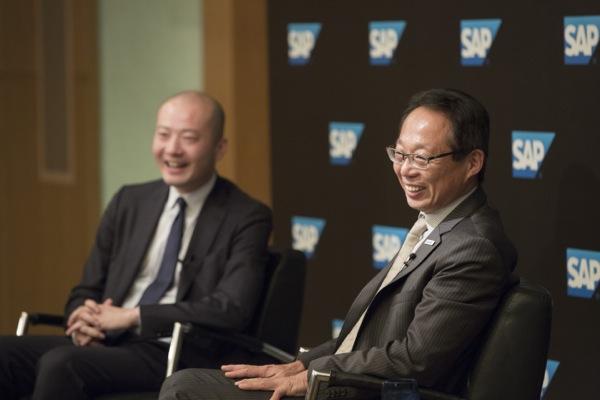 イベント後には記者会見の場が設けられた。岡田氏「岡田メソッドに興味がある方はぜひ今治に来てください」。(写真:福田俊介)