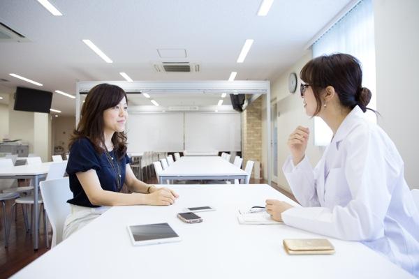 タニタの社員食堂にてインタビューを行った(写真:安川啓太)