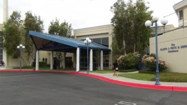 里親機関「Extraordinary Family」の本部がある施設。同じ敷地内には、社会的養護下にある10代のシングルマザーのための高校やシェルターがある