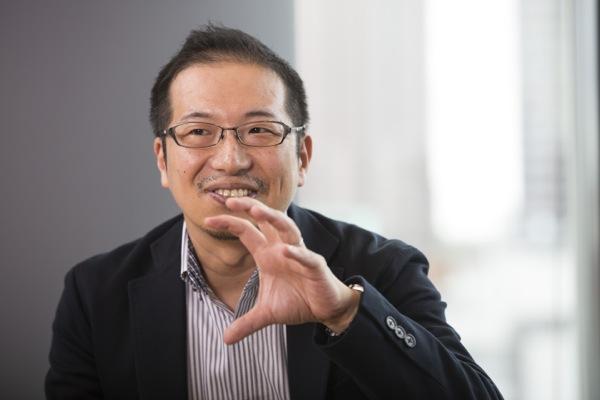 杉原海太(すぎはら・かいた) 1971年生まれ。1990年、東京大学に入学。1996年、大学院修了後にデロイトトーマツコンサルティング(現アビームコンサルティング)に入社。2003年に退職。1年間の浪人生活後、2004年FIFAマスターに入学。2006年から8年間働いたアジアサッカー連盟(AFC)では、コンサルタントとしての経験を生かして、アジア各国の協会やリーグの戦略企画や業務改革をアドバイス。仕事ぶりが認められ、2014年にFIFAコンサルタントに抜てきされた