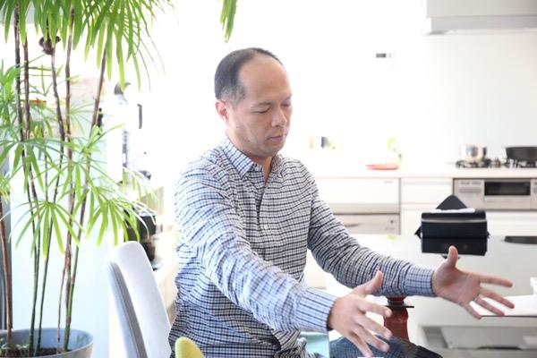 取材は武雄市内にある樋渡氏の事務所で行われた