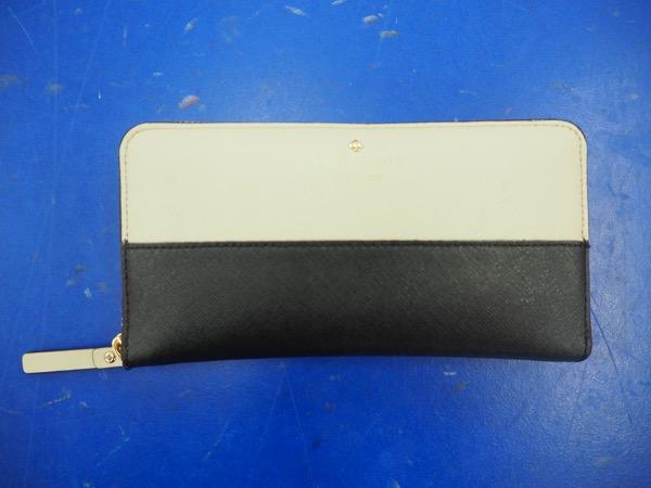 平野美宇にプレゼントしてもらった財布は、今も真理子の宝物だ(撮影:川内イオ)