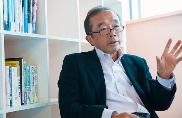 藤原和博(ふじはら・かずひろ) 教育改革実践家。東大経済学部卒業後、リクルート入社。東京営業統括部長、新規事業担当部長、フェロー社員として活躍したのち、東京都初の民間人校長として杉並区立和田中学校校長に。「私立を超えた公立校」を標榜(ひょうぼう)し、「よのなか科」「夜スペ」などさまざまな施策を実施。08年4月からは全国を行脚し、全国の小中高の活性化と学力向上に尽力する。16年4月から奈良市立一条高校の校長に就任予定。