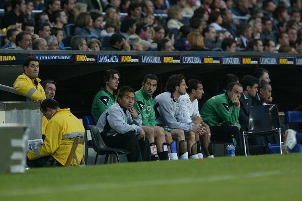 スペイン1部リーグのラシン・サンタンデ―ルに在籍した当時は、試合でもベンチに入り、チームを支えた