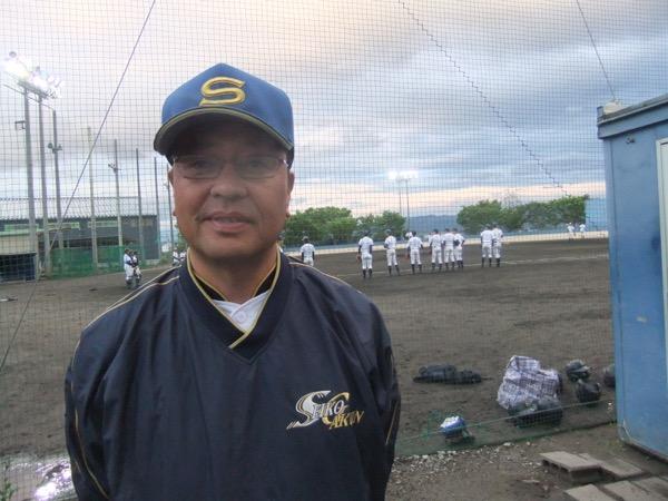 斎藤智也(さいとう・ともや) 1963年福島県生まれ。仙台大学卒業後の1987年に聖光学院高校へ赴任し、野球部部長を経て1999年9月に監督就任。2001年夏、同校を初の甲子園出場に導いた。2008年夏には県勢33年ぶりの甲子園ベスト8。2007年から戦後最長となる9年連続夏の甲子園出場を果たした。保健体育科教諭。教え子に歳内宏明(阪神)、横山貴明(楽天)