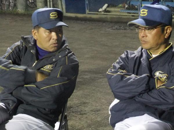 二人三脚で強いチームをつくる横山部長(左)と斎藤監督