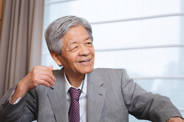 田原総一朗(たはら・そういちろう) 1934年、滋賀県生まれ。60年、早稲田大学卒業後、岩波映画製作所に入社。64年、東京12チャンネル(現テレビ東京)に開局とともに入社。77年にフリーに。テレビ朝日系『朝まで生テレビ!』『サンデープロジェクト』でテレビジャーナリズムの新しい地平を拓く。98年、戦後の放送ジャーナリスト1人を選ぶ城戸又一賞を受賞。現在、早稲田大学特命教授として大学院で講義をするほか、「大隈塾」塾頭も務める。