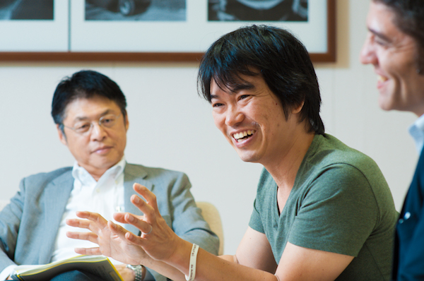 榊原健太郎(さかきばら・けんたろう) サムライインキュベート社長。1974年生まれ。関西大学社会学部卒業後、日本光電工業、アクシブドットコム(現ECナビ)、インピリック電通(現電通ワンダーマン)などを経て、08年に同社を設立。14年にイスラエルへ進出し、現地の起業家と共同生活して100%事業にコミットするためのシェアハウス「Samurai House Israel」を開設。現在300社以上の社外取締役を務める。