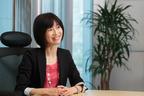 ソニーの UX・商品戦略・セールス&マーケティング本部で統括課長を務める甘利恵理子さん