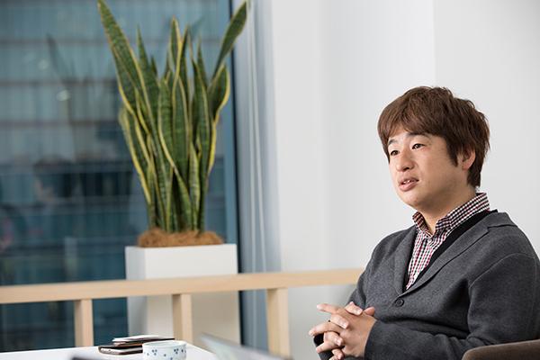川上量生(かわかみ・のぶお) KADOKAWA・DWANGO / ドワンゴ 会長 1968年生まれ。京都大学工学部を卒業後、コンピューター・ソフトウエア専門商社を経て、97年にドワンゴを設立。携帯ゲームや着メロのサービスを次々とヒットさせたほか、2006年に子会社のニワンゴで『ニコニコ動画』をスタートさせる。11年よりスタジオジブリに見習いとして入社し、鈴木敏夫氏のもとで修行したことも話題となった。13年1月より、ドワンゴのCTOも兼任。